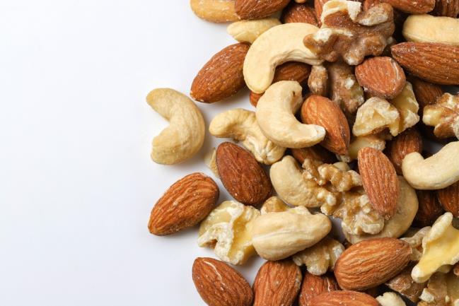 ナッツの種類と栄養素、その効果を徹底解説!食べると太るって本当 ...