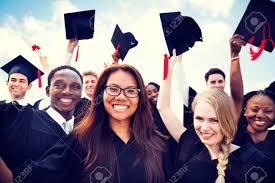 卒業を祝っている多様な外国人留学生のグループ の写真素材・画像素材 ...