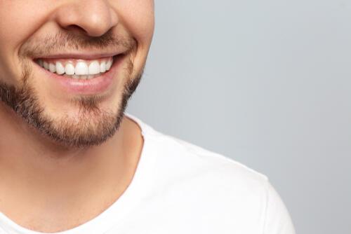 表情筋を鍛える男性はモテる!?素敵な笑顔を手に入れる顔トレ5選 ...