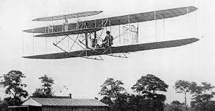 今日はライト兄弟が人類初の動力飛行を成功させた日」   オレンジ ...