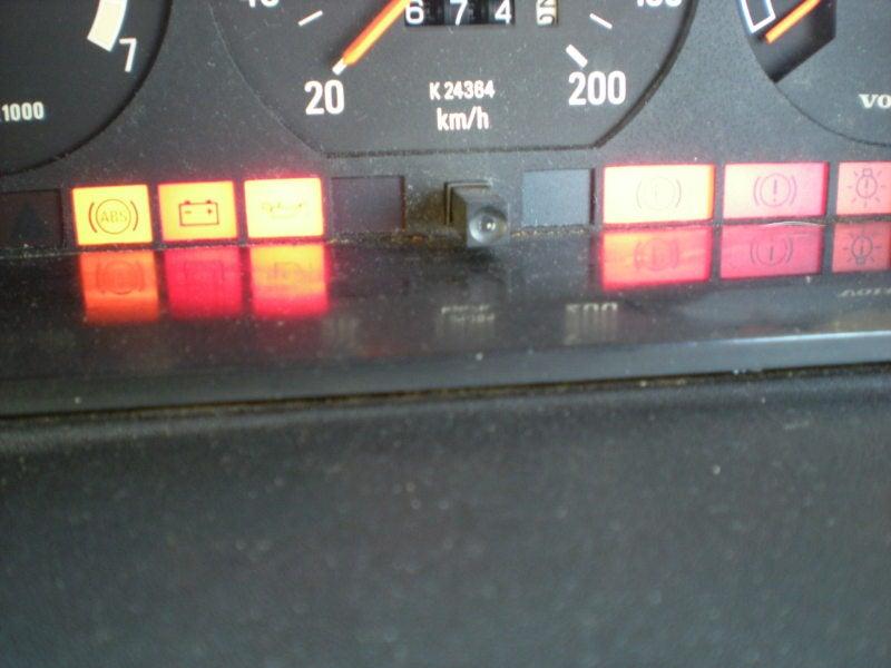 トランスミッション警告灯 ボルボ 原因 修理費