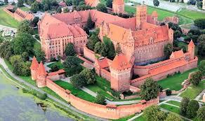 中世ヨーロッパ最大の城!世界遺産・マルボルクのドイツ騎士団の城 ...