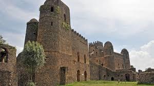 ヨーロッパの影響を受けたエチオピア帝国の都!世界遺産ファジル・ゲビ ...