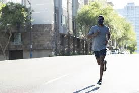 飛沫の拡散を抑えながら快適な呼吸を追求! ランナー向けマスク「ASICS ...