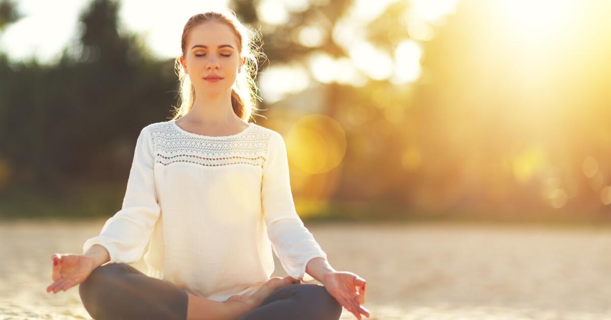 初心者向け】瞑想のやり方と5つの効果|自宅でマインドフルネス瞑想 ...