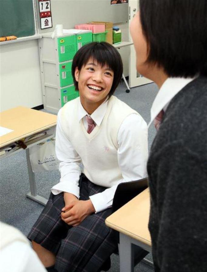 画像】阿部詩の高校の名前は?夙川学院のかわいい制服姿や卒業式も!