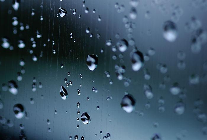 窓についた雨のフリー素材 大サイズ高解像度