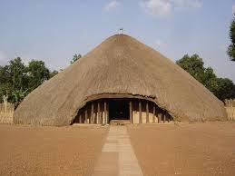 カスビのブガンダ王国歴代国王の墓 | 世界遺産プラス | 世界遺産を ...