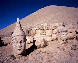 ネムルト・ダーの巨大墳墓 | 世界遺産プラス | 世界遺産をもっと楽しむ ...