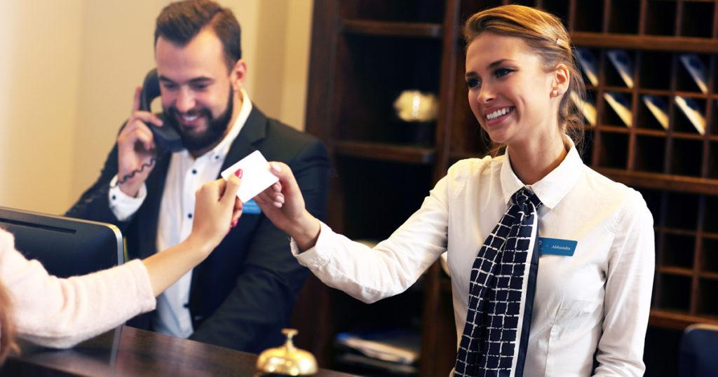 ホテル業界に欠かせない「PMS」とは?比較しました