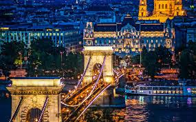 2020年1月『ブダペスト:ドナウ河岸とブダ城地区、アンドラーシ通り ...