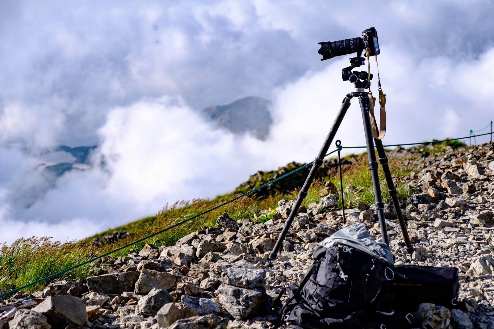 三脚と一眼レフで山岳写真を撮影中(白馬岳)の写真(画像)を無料 ...