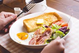 朝食いただきます!- フリー素材 ぱくたそ