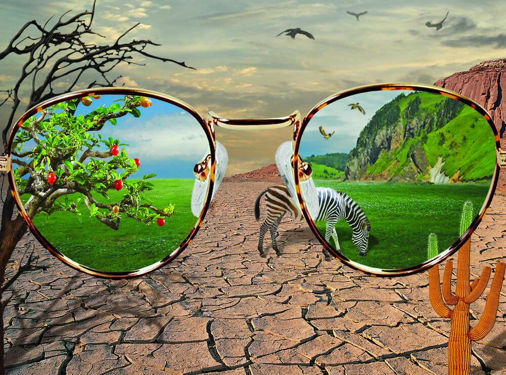 色眼鏡」の使い方や意味、例文や類義語を徹底解説! | 「言葉の手帳 ...