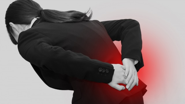 坐骨神経痛】お尻から足にかけての痛みを変えるには姿勢が大事 (2020年 ...