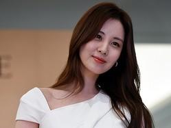 少女時代ソヒョン、真っ赤なドレスで魅せた圧倒的美貌「8頭身以上ある ...