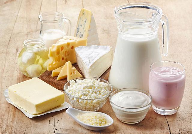 乳製品をたくさん食べる人は死亡リスクが低い:話題の論文 拾い読み ...
