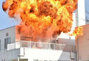 動画】ロケ誘致へ 爆破撮影 旧嬉野医療センターでプロモーション動画 ...