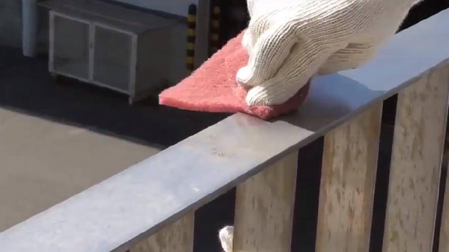 ベランダの手すりを塗装する際の注意点とアドバイス