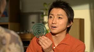 神戸新聞NEXT | 総合 | 金鳥CM藤原竜也さんはどっち 蚊に「刺された ...