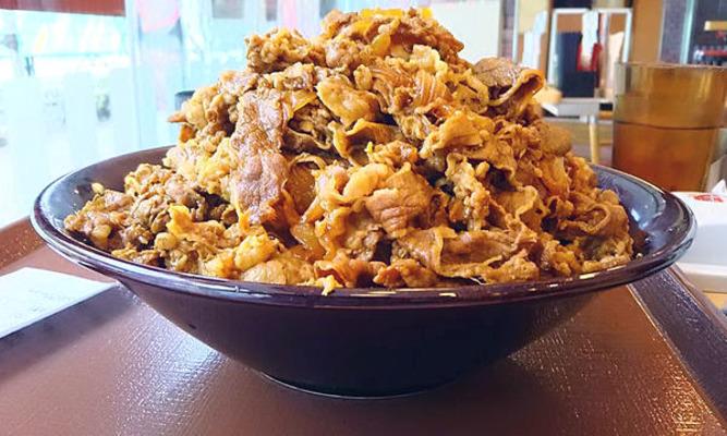 すき家の裏メニュー「キング牛丼」の値段/サイズやカロリーがヤバい ...