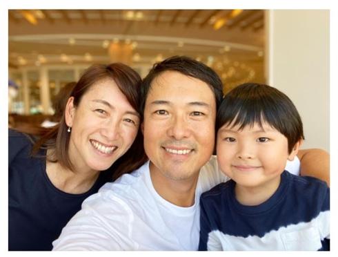 杉山愛、45歳で第2子妊娠 家族ショットとともに報告「私達にファミリー ...