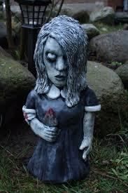 子どもが見たら泣くレベル 庭に置く「小人妖精のオブジェ」が怖すぎる ...