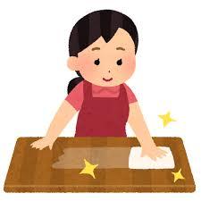 机を拭く女性のイラスト(掃除) | かわいいフリー素材集 いらすとや