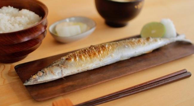 秋刀魚も喜ぶさんま皿12選。一枚は欲しい30cm以上の秋刀魚長皿 ...