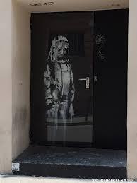 パリに突然現れたバンクシー作品 覆面アーティストの狙いは? : 映画 ...