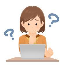 パソコンの前で考える一般人女性のイラスト   エコのモト