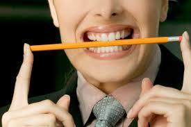 左右バランス良く噛む : 様々な病気の原因にも…辛い肩こりは食事で解消 ...