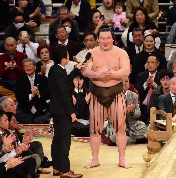 相撲協会理事会で白鵬が謝罪 優勝後の三本締め - 産経ニュース