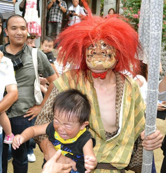 威嚇され、追われ…子供たちの泣き声が響く 和歌山の神社で「鬼の舞 ...