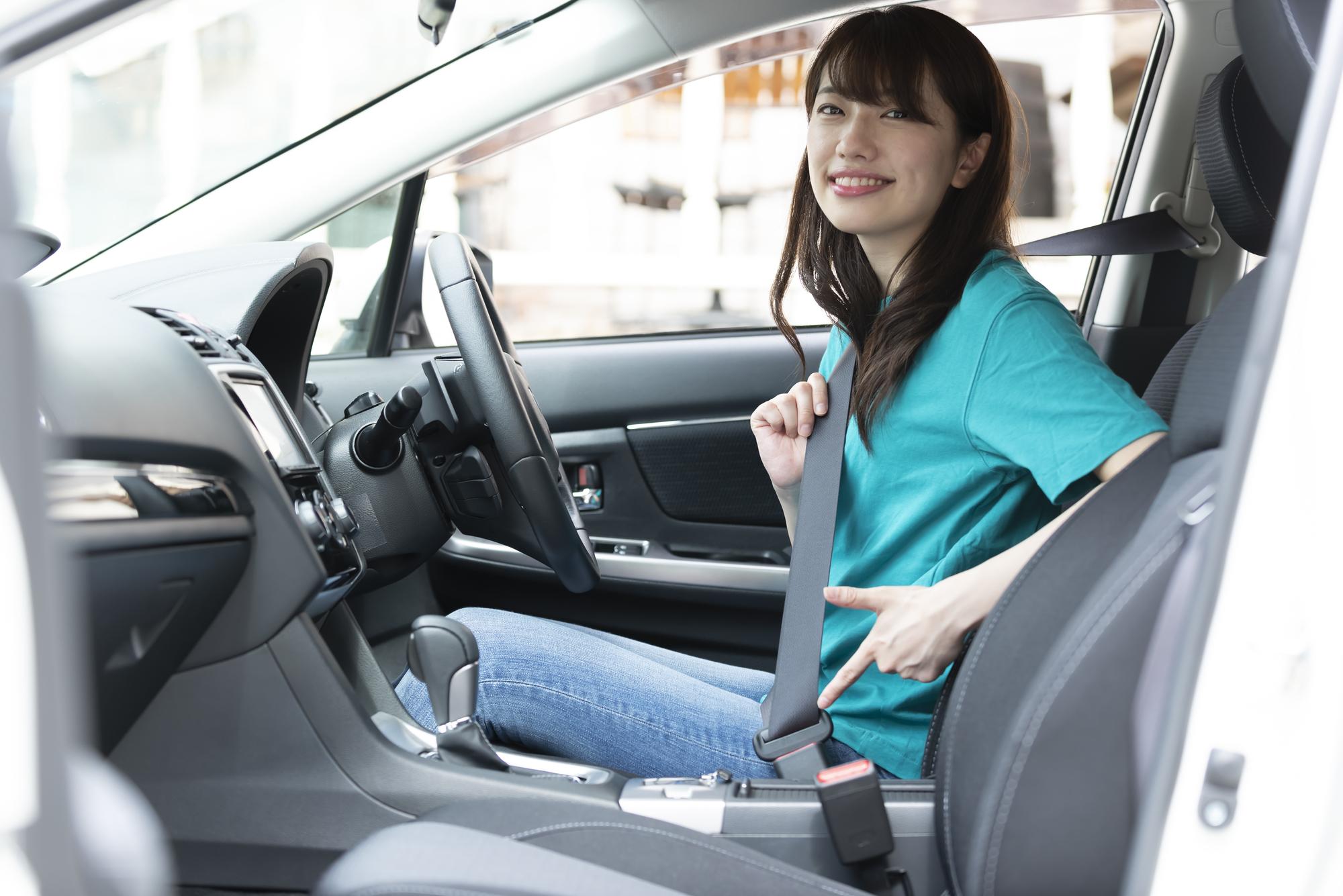運転席・後部座席】正しいシートベルトの付け方と非装着の危険性|中古 ...
