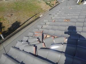 何故飛ぶの?屋根材の風害考察・破風板と風切り丸の役目とは?