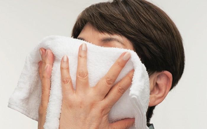 美肌のプロが教えるとっておき洗顔法】ホットタオル洗顔で年齢知らずの ...