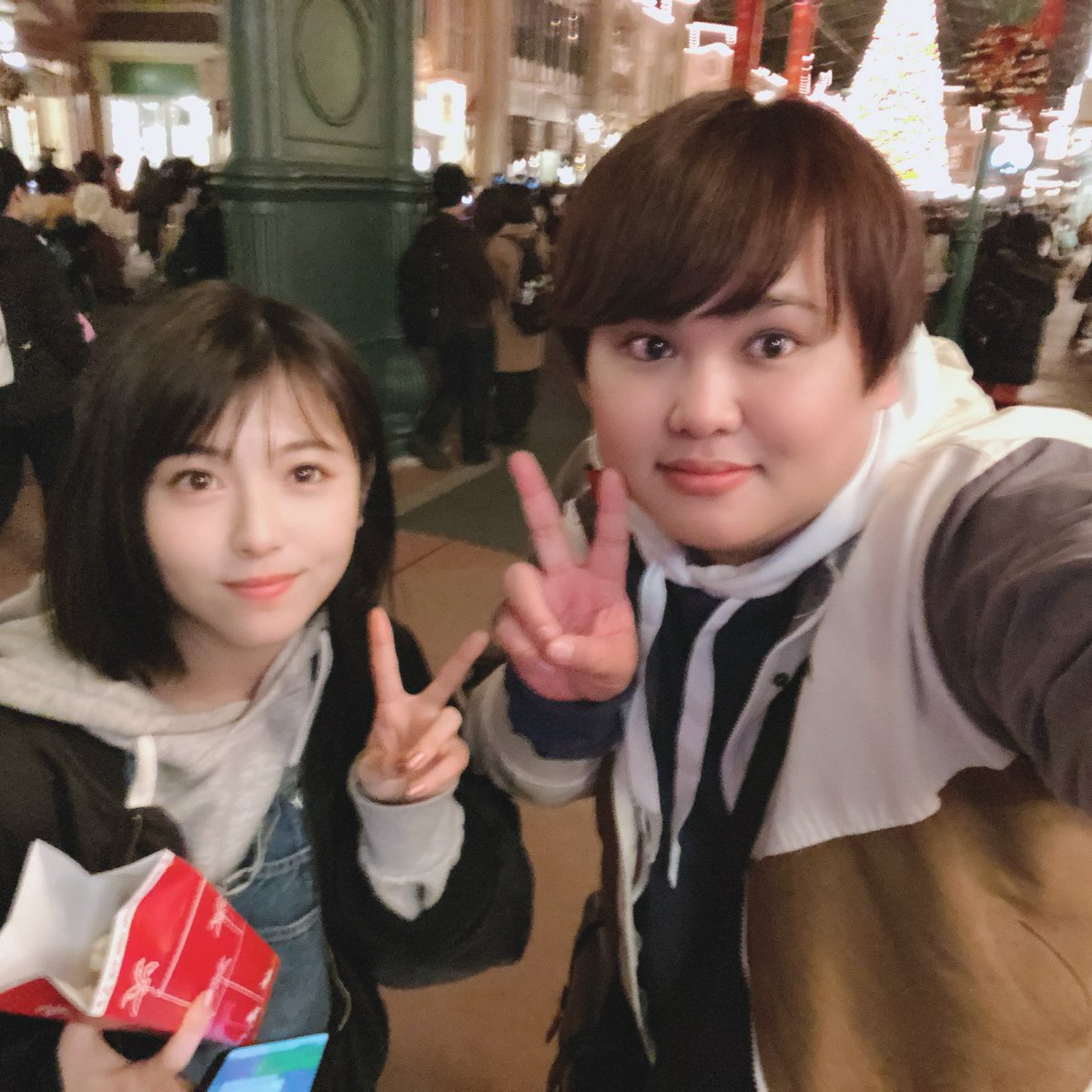 週刊文春】女優・浜辺美波(20)、体重150kgユーチューバーと熱愛 ...