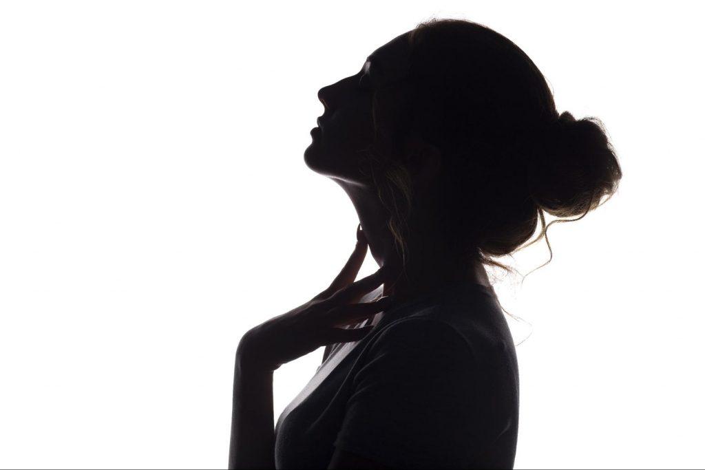 女性が憧れるEラインを作るには?横顔美人になる条件や方法を徹底解説!