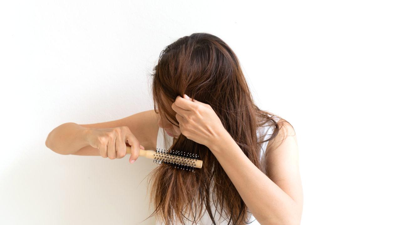女性のボサボサ髪とはさようなら!予防とケアで薄毛・枝毛・切れ毛の ...