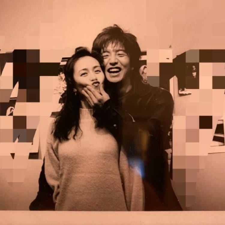 木村拓哉さん、妻・工藤静香さんの誕生日に貴重な2ショット写真を公開 ...