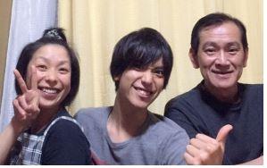 黒羽麻璃央の父親は料理人で今は病気?兄弟や家族と梅沢富美男との縁と ...