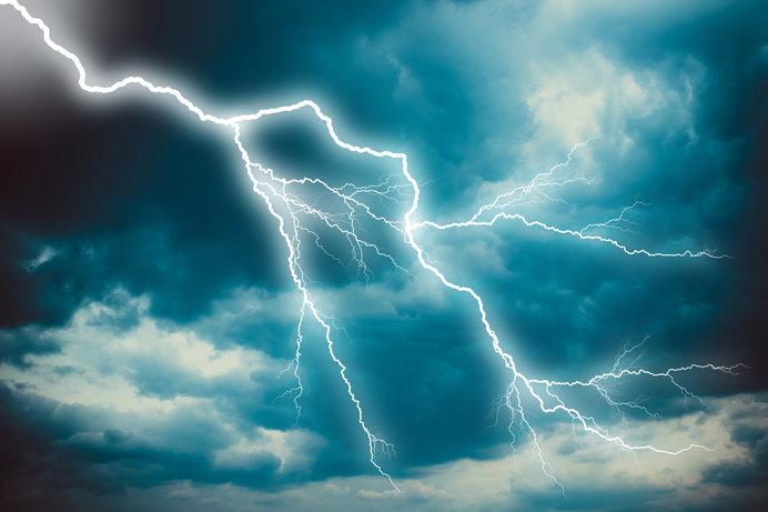 雷、上から落ちるか下から昇るか?七十二候「雷乃発声(かみなり ...