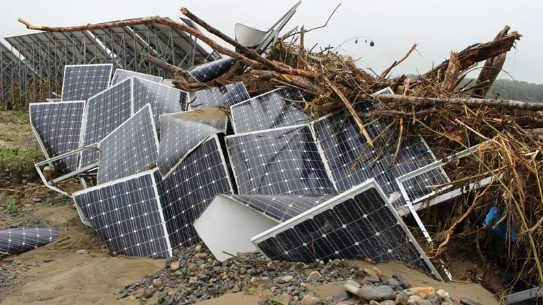 太陽光パネルメーカーが開示を拒む例も、廃棄の適正化へ総務省が勧告 ...