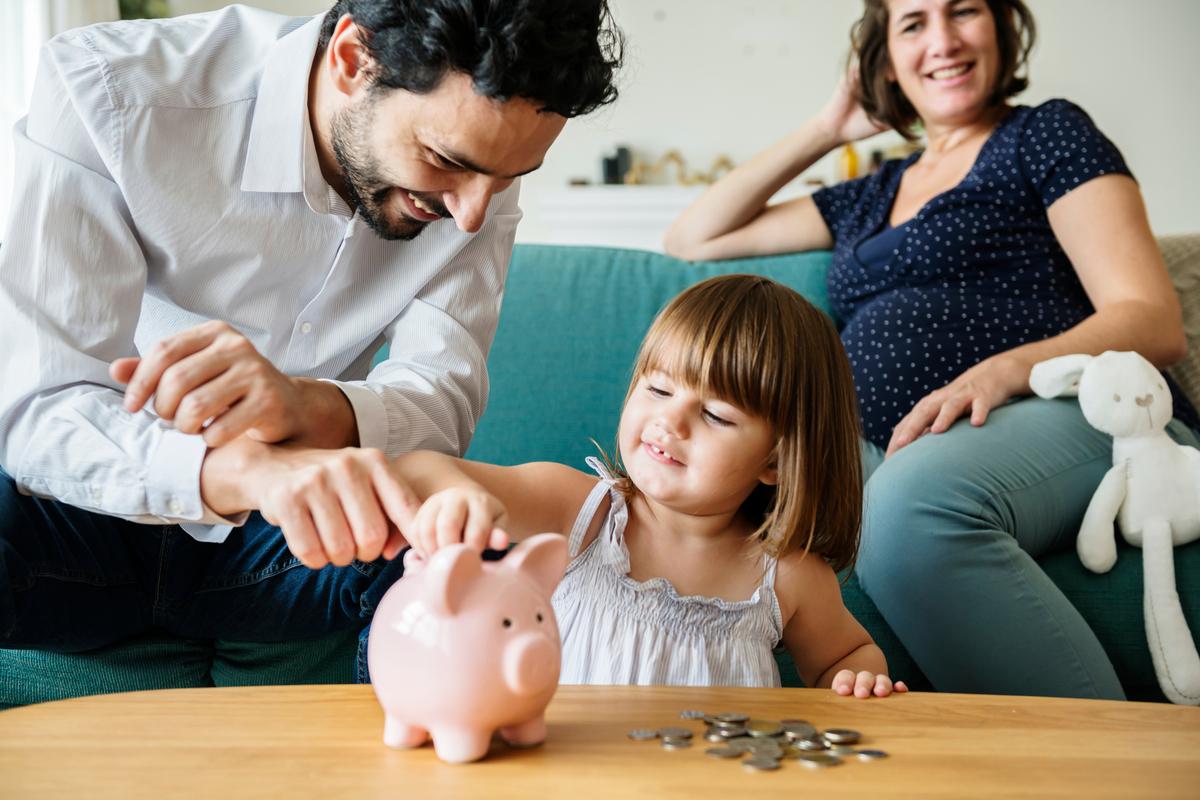 節約・貯金は家族みんなで取り組もう!家計簿共有のメリット・方法 ...