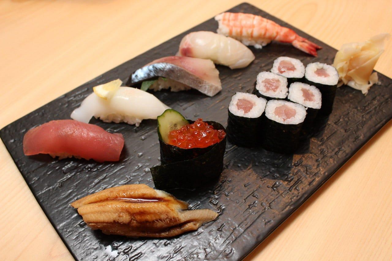 すし居酒屋 湊 諏訪交番前店 - 日本酒と本格寿司居酒屋