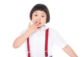 子供の爪噛みの原因とは?やめてもらうためにできる6つの対処法
