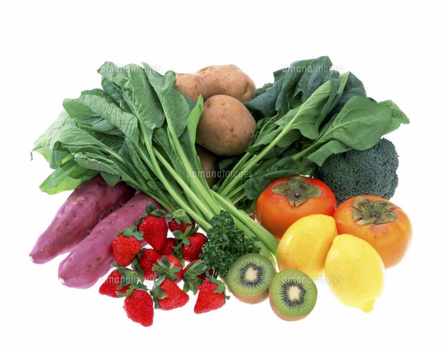 ビタミンCを多く含む野菜と果物[10285001803]の写真素材・イラスト素材 ...
