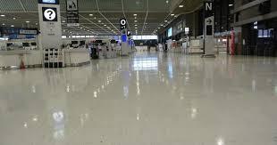 新型コロナ 成田空港ガラガラ 1年前の混雑から一変 /千葉   毎日新聞