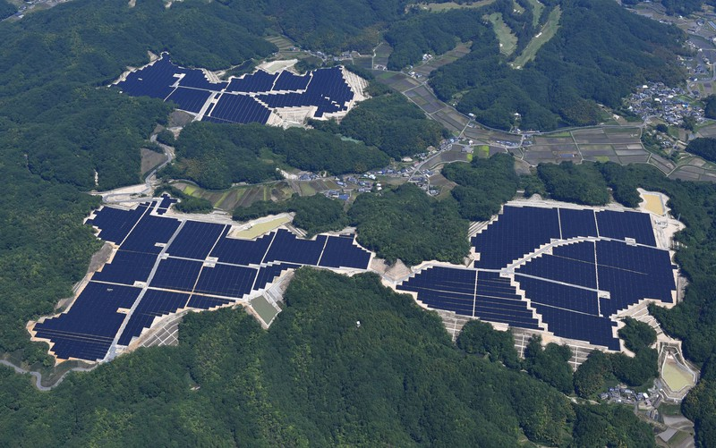 再考エネルギー:全国で公害化する太陽光発電 出現した黒い山、田んぼ ...
